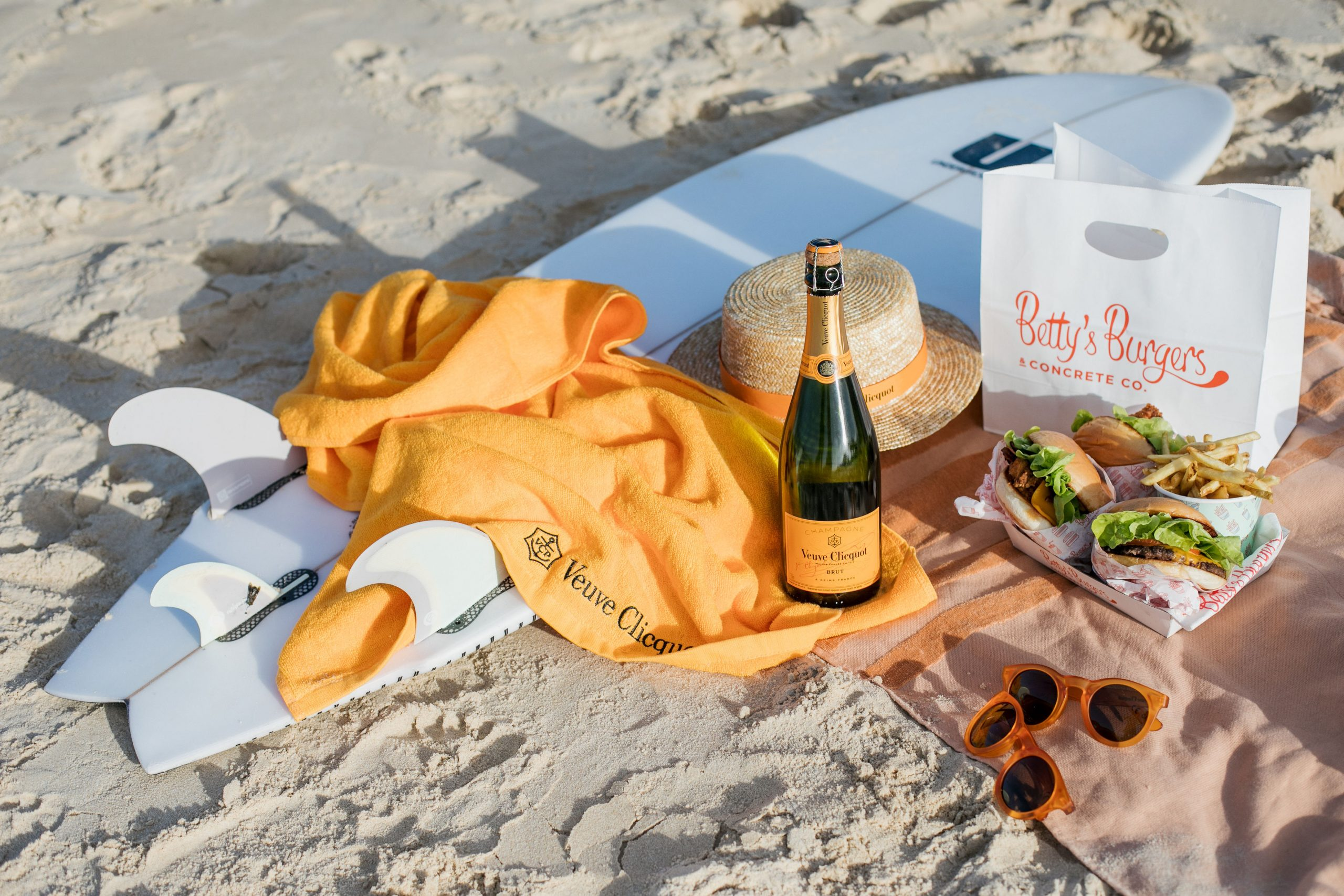 Suns out, buns out: Get ready to flip over this luxe burger hamper